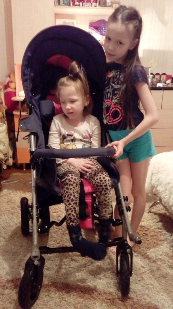 Ангелина с коляской
