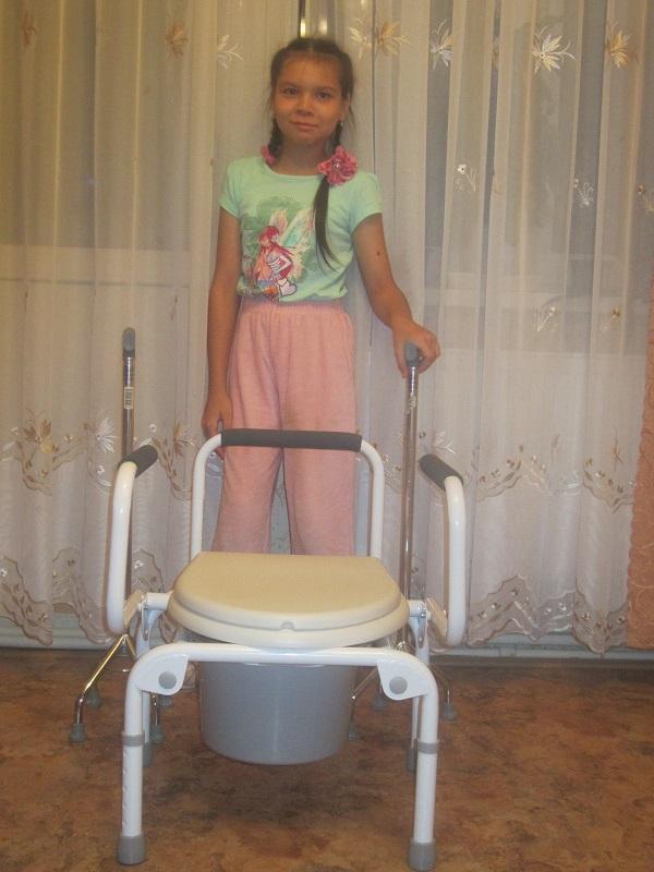galieva-samira-foto-s-sanitarnym-stulom