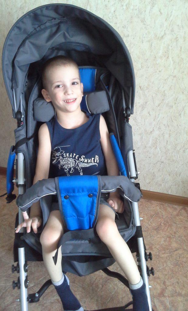 Петрушенков Кирилл на коляске 2