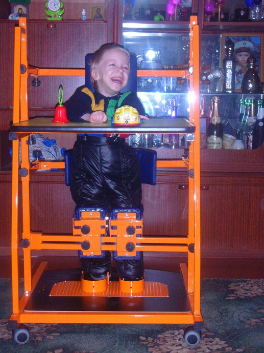 smallОлейников Денис фото с вертикализатором (2)