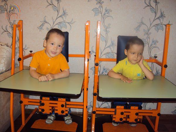 smallХаертдиновы Айнур и Тимур фото с вертикализатором (9)