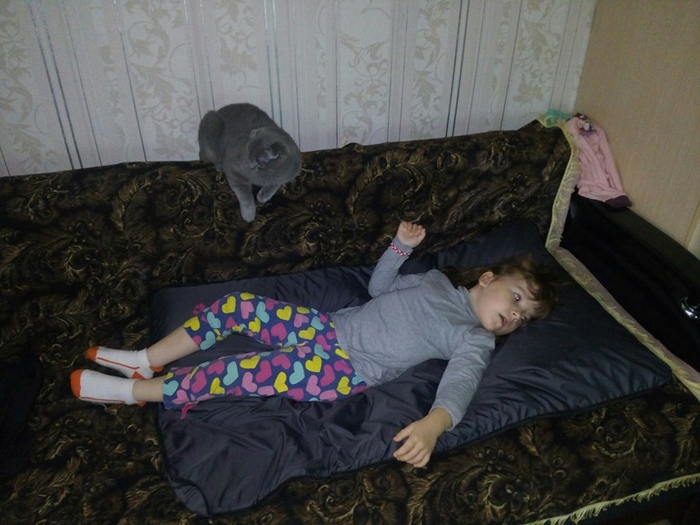 small_axtyanova-arina-foto-na-matrase-2