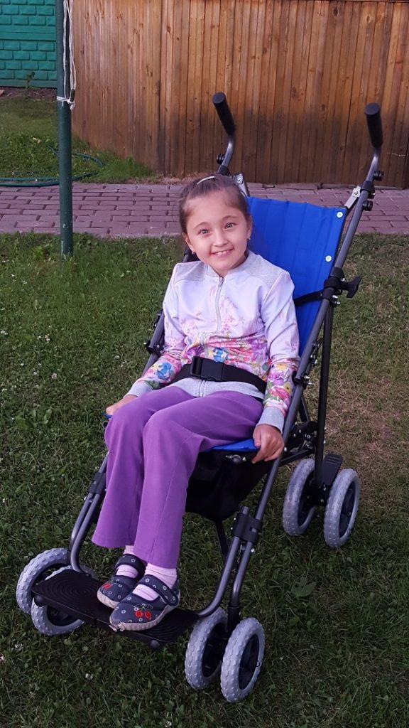 small_Загидуллина Элина фото на коляске 1