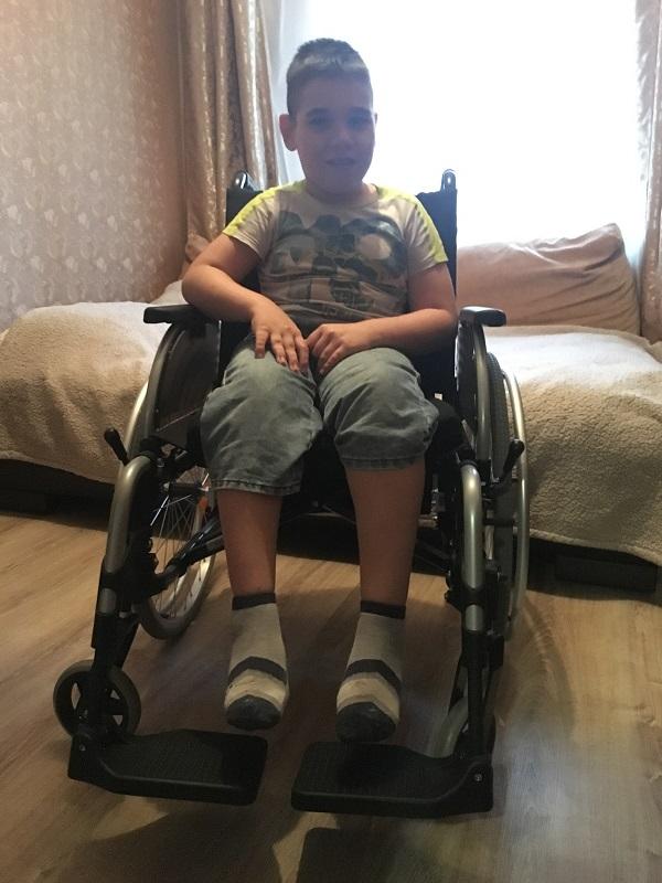 small_Фазлутдинов Оскар фото на коляске 2